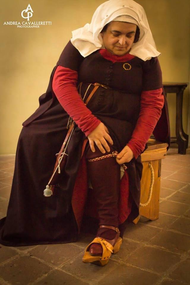 Late 14th century woman