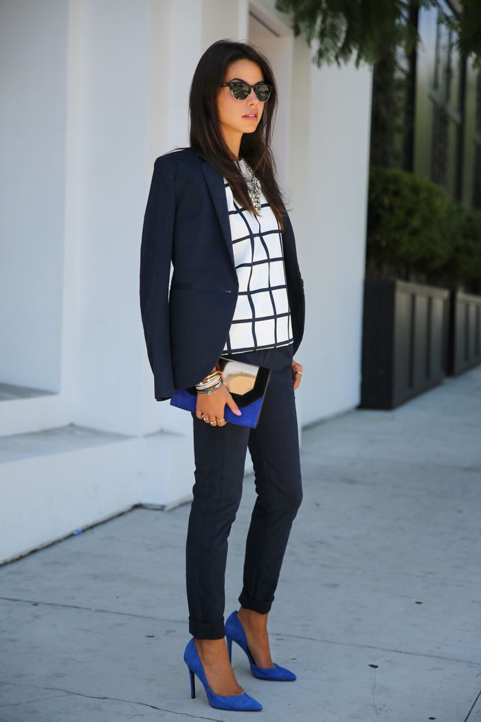 I love the combos going on here, though i might choose a different colored blazer. graphic & cobalt #fashion #lookbook