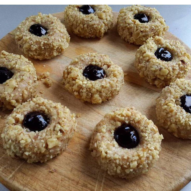 1,322 отметок «Нравится», 32 комментариев — Я - КУЛИНАРНЫЙ МАНЬЯК 🙌 (@vil_ola) в Instagram: «Печенье из сторис...Очень вкусное печенье. Настаиваю на приготовлении!!!😊 110 грамм мягкого…»