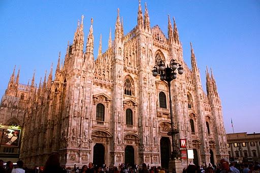 Milan, Italy [Daisy]