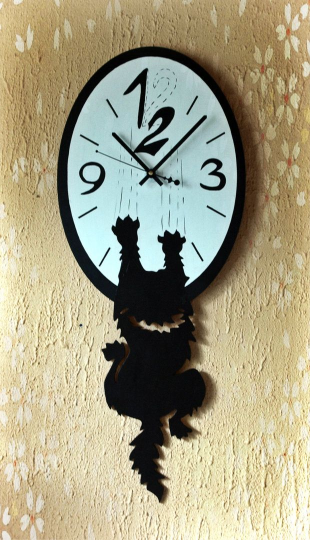 """Озорные настенные часы """"Наглый кот"""", придадут вашему пространству игривости и веселья. Возможно исполнение в других размерах и цветовой гамме. Внимание! часы не авторские - повтор по просьбе заказчика. #часы#часынастенные#часыскотом#часынаглыйкот#часысживотными#интерьерныечасы#повторчасы#clockwithcat#rustikka#wallclock"""