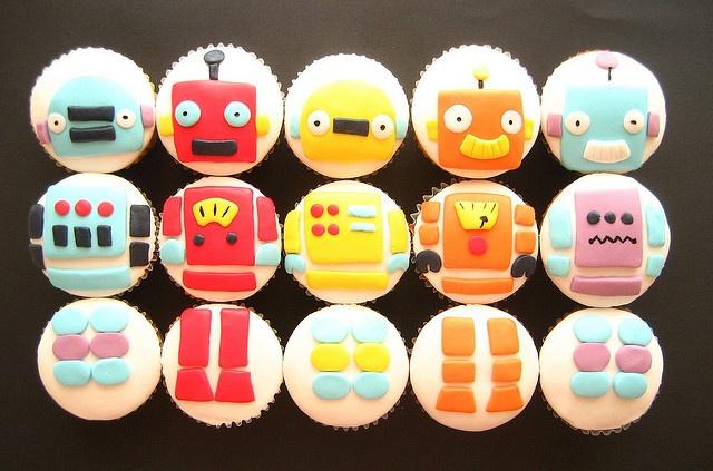 build a ROBOT cupcakes! by hello naomi, via Flickr