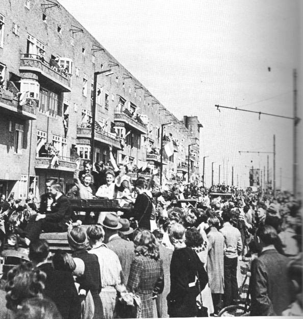May 7, 1945. Citizens of Amsterdam celebrating liberation day at the Vrijheidslaan (at that time Stalinlaan) in Amsterdam. #amsterdam #worldwar2