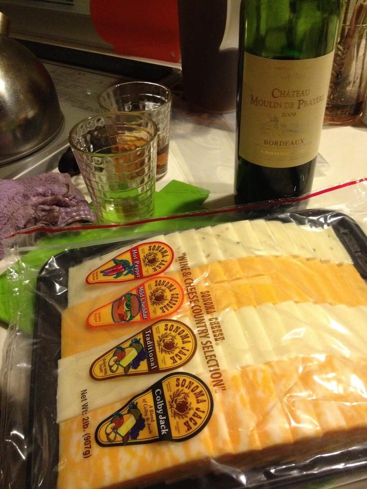 コストコのチーズ。 なかなか減らない^_^;