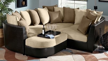 I want this couch! It would be perfect for cuddles, a good book and a glass of wine!