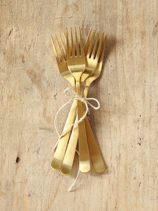 Envie d'une déco de table originale, élégante et éclatante ? Craquez pour des couverts dorés... et vous brillerez auprès de vos convives !DétailsLot d