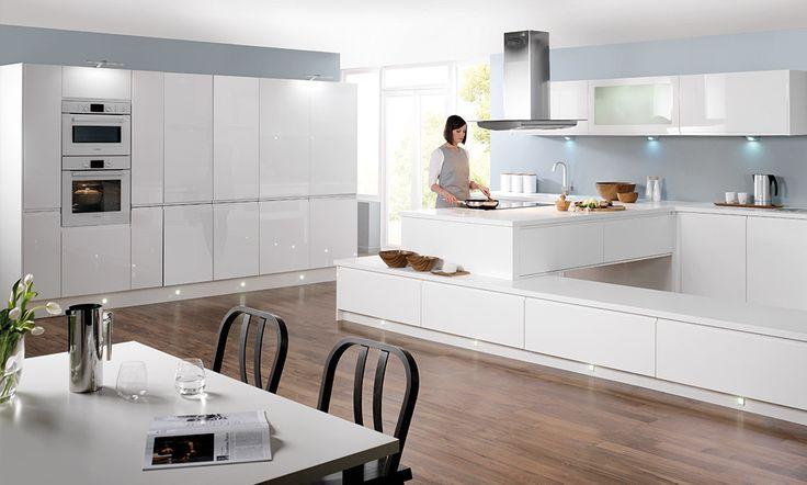 Handleless White Gloss Kitchen image 1