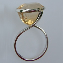 Ring | Melinda Clark.