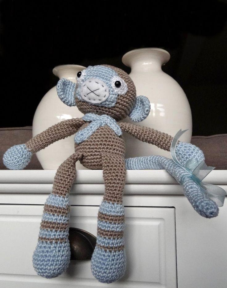 Het aapje Bruno dat ik eigenlijk voor mijn vriendin had gehaakt, vond ik toch niet zo geschikt voor een kleine baby.  Helaas komt de vulling...