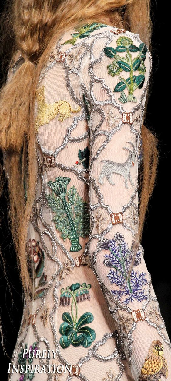Alexander McQueen FW2017 Women's Fashion (details) RTW | Purely Inspiration