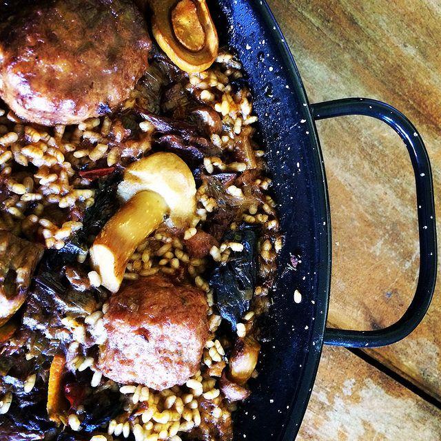 #Paella de setas puedes ver este plato en koketo.es o seguirnos en twitter @chefkoketo o @jorgehdezalonso #koketo #gastronomia #chef #recetas #spanishfood