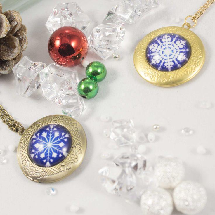 Christmas Snowflake Memory locket necklace 91826NSC by LaraBellaJewelry on Etsy