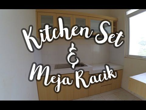 Ruangan dapur yang relatif kecil untuk tipe rumah yang kecil perlu penataan yang kompak dan teratur. Kitchen set ini terdiri dari kabinet atas dan bawah sert...