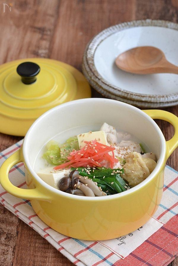 鶏むね肉はとろっとろ♪  濃厚なバタースープが野菜に絡んでしっかり野菜が食べられます。  〆はラーメンを入れると2度美味しいよ♪