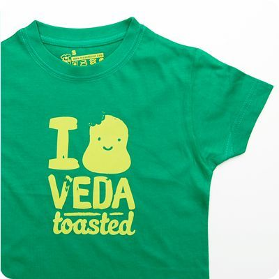 i love veda toasted kids t-shirt