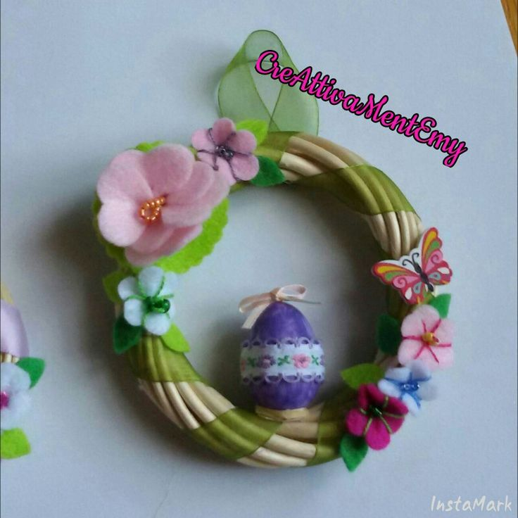 Easter's garland, ribbons, felt flowers and little painted egg
