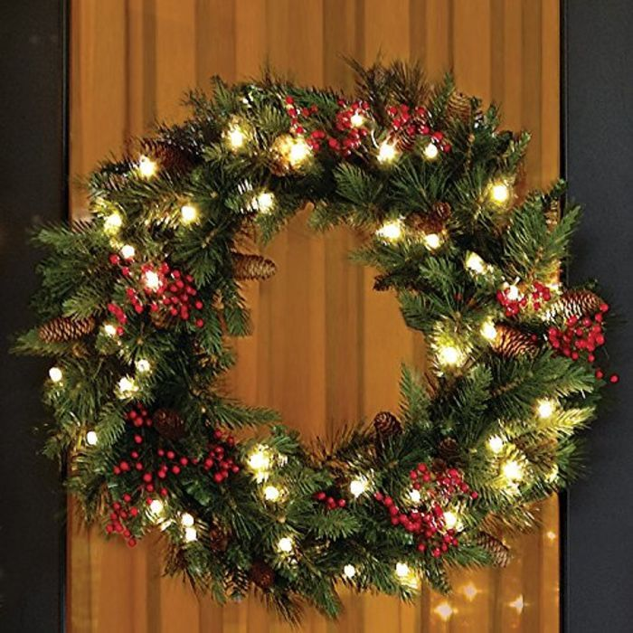 DIY Pre Lit Artificial Christmas Wreaths Ideas   Cordless LED Pre-lit Cone & Berry Christmas Wreath