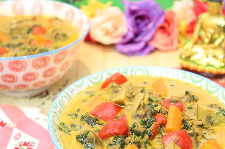 Low Carb Rezepte von Happy Carb: Der Low-Carb-Suppentopf – meine Suppe ess ich… Das Suppen- und Eintöpfe-Special.