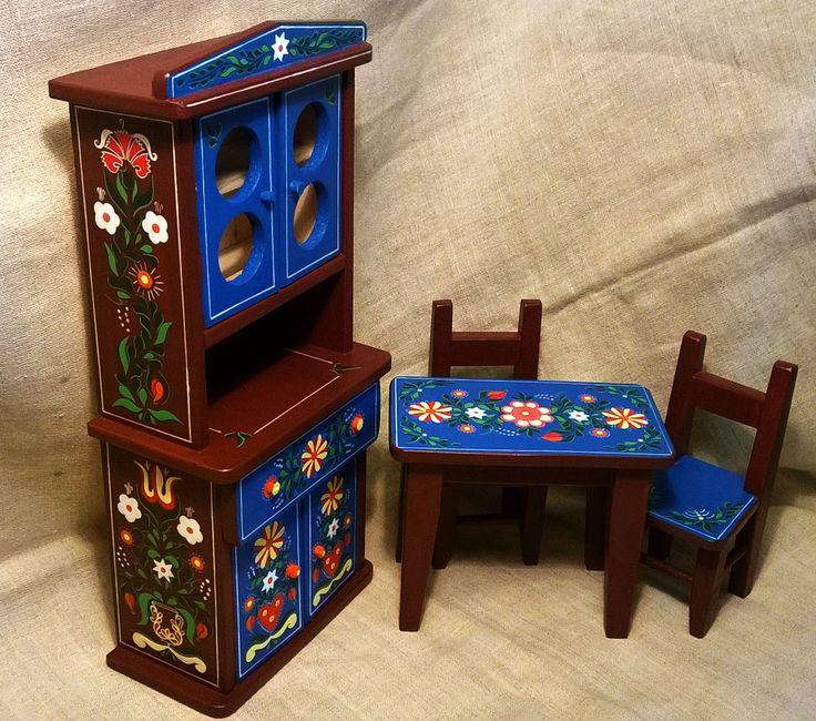 Mini festett gyerek játék bútor (Konyhai) Mini mobilier pictat rustic pentru casa de păpuși (Bucătărie) Mini painted child game furniture (kitchen) Gemalte Minikinderspielmöbel (Küche)