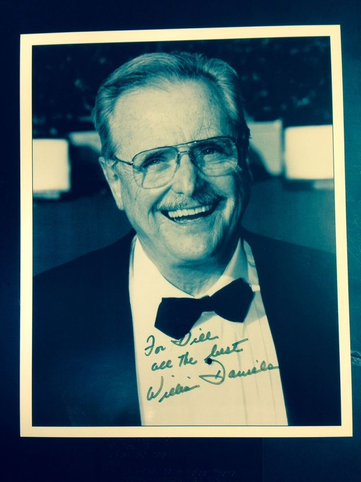 AUTOGRAPHED WILLIAM DANIELS 8X10 PHOTO ST ELSEWHERE SHARP PIC with COA | eBay