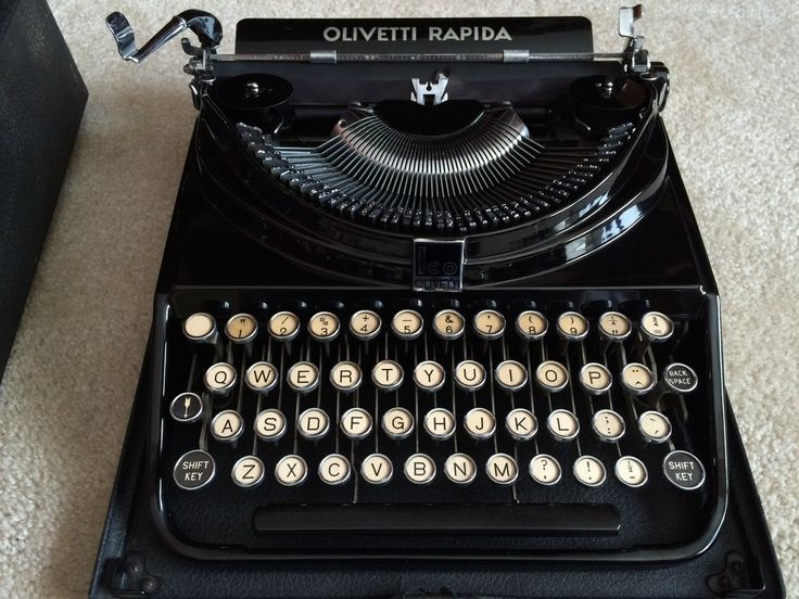 Vintage Typewriter For Sale 26