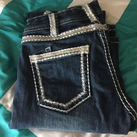 "Cowgirl tuff jeans 27 Cowgirl tuff jeans ""first class"" 27x35 worn a few times very good condition Cowgirl tuff co. Jeans Boot Cut"