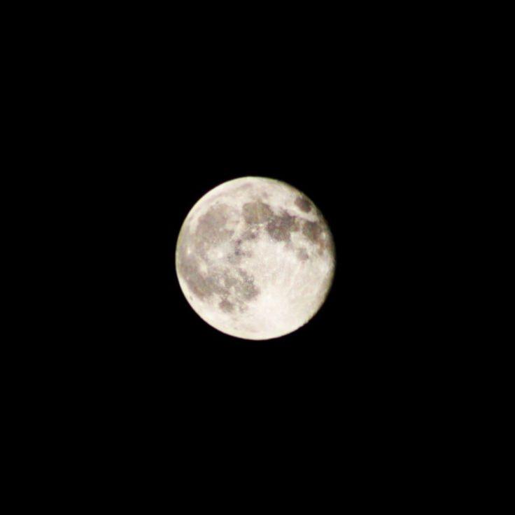 La Superluna in tutta la sua ipnotica bellezza…