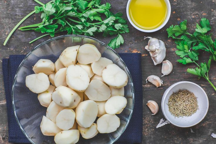 Simple Boiled Potatoes with Garlic and Fresh Herbs