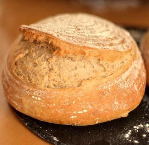 Wir lieben es, alle miteinander. Das Dinkel-Landbrot. Es ist ein wenig aufwendiger in der Herstellung, deshalb backe ich immer gleich zwei Brote. Es hat eine lange Ruhezeit und wird in zwei Etappen hergestellt. Eines möchte ich immer einfrieren, es ist aber noch nicht dazu gekommen, da meine Lieben es schaffen, diese Brote super schnell aufzuessen.... Weiterlesen