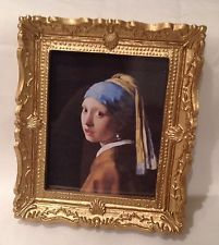 DOLLS HOUSE MINIATURES - Picture      Girl with pearl earring (143)