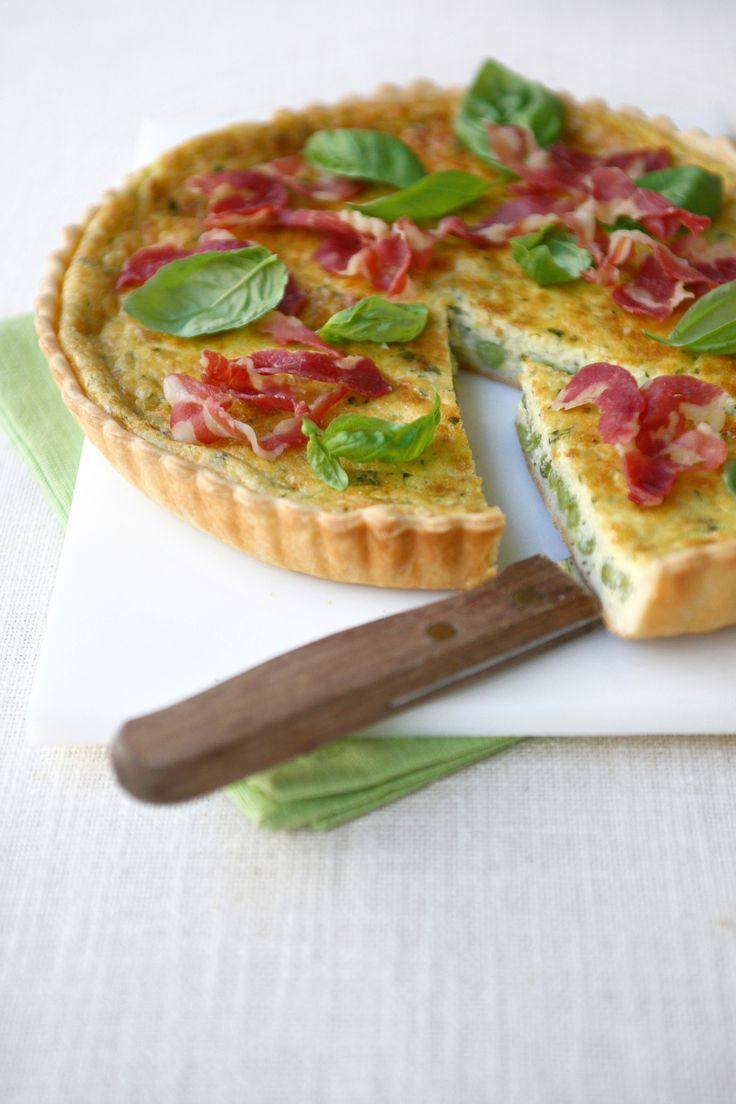 Le quiche, semplici e gustose torte salate, sono un piatto facile da preparare e di sicuro effetto. Prova la top ten delle migliori ricette di Sale&Pepe.