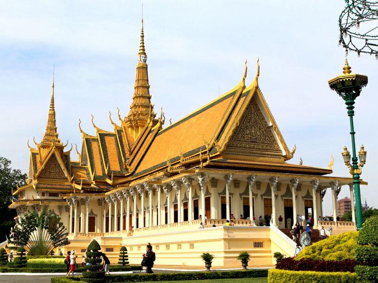 The Throne Hall inside the Royal Palace complex #PhnomPenh #RoyalPalace #SilverPagoda