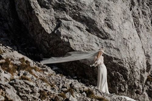 Nora Sarman Bridal / photo Pinewood Weddings / dress Alina