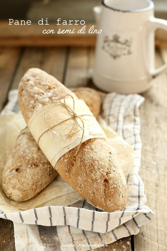 Farina, acqua e lievito per il più prezioso degli alimenti: il pane. Per i nostri nonni il pane costituiva la base dell'alimentazione, veniva fatto una volta a settimana e quella volta se ne impastava