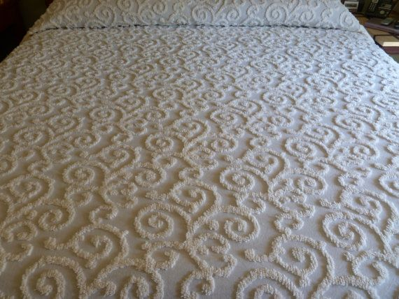 vintage chenille bedspread queenking scroll design like new - Chenille Bedspreads