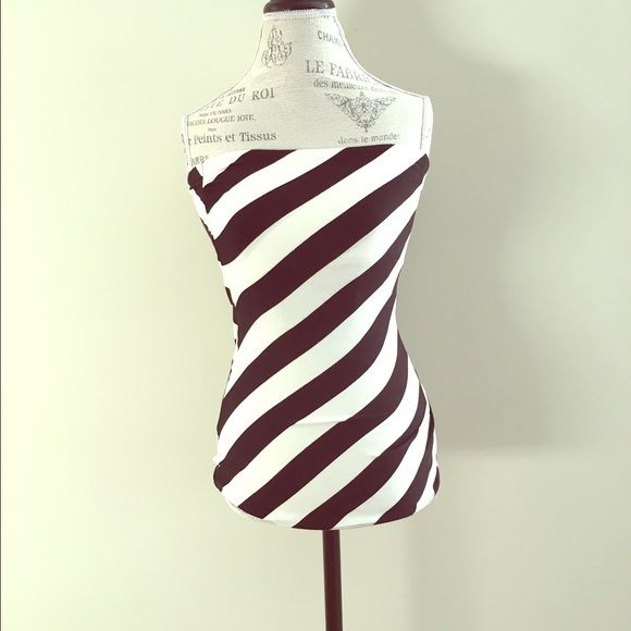 Black&White Tube Top Black & white striped tube top. Stretch material. Worn twice, great condition. Arden B Tops