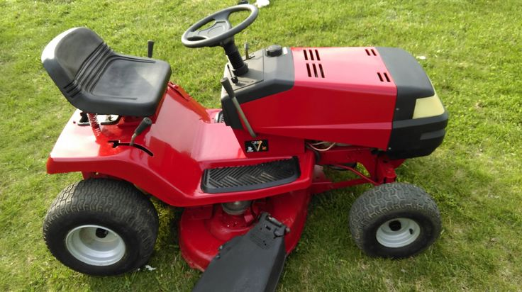 """Murray 40"""" Riding Mower For Sale - New Tazewell, TN."""