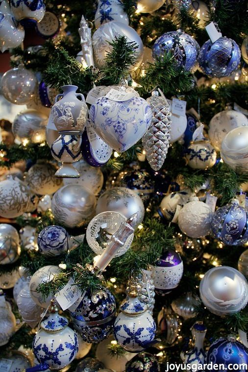 Best 25+ Blue christmas ideas on Pinterest | Blue christmas decor ...