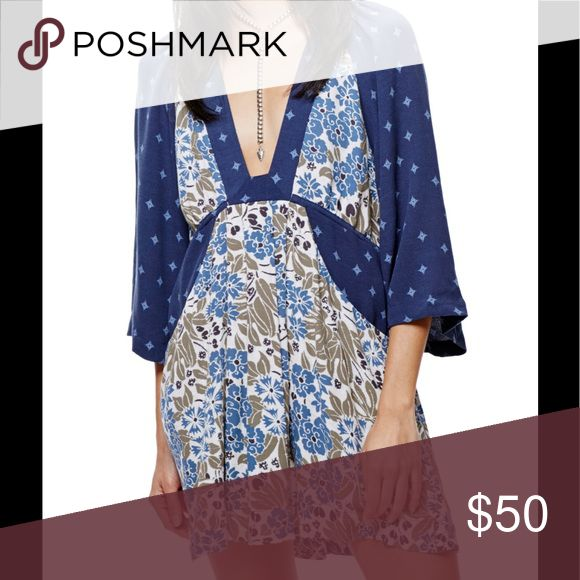 ❤️ Free people tallula dress Navy blue combo, double print dress. Kimono sleeve, v front, tie waist. Big front pockets. App 21 PTP35 length Free People Dresses