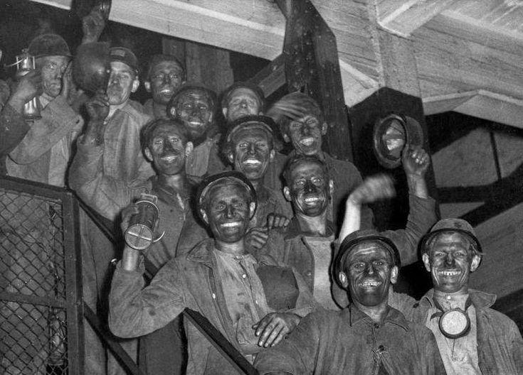 Mijnwerkers in 1930.