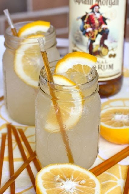 Honey Lemonade Cocktail: A great end of summer drink that works well for the fall too! Add Vodka....or remember the non Alcohol Drinkers....