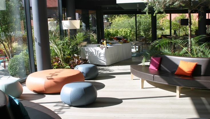 L'Espace NOMAD ouvert 24H/24 et 7J/7 a été conçu comme un véritable lieu de vie où l'on se sent bien.  © Nomad-Hôtels