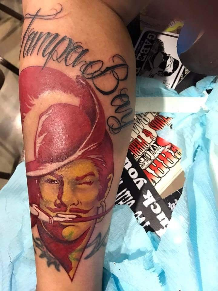 Pin By Adolph Pearson On Tampa Bay Buccaneers Tampa Bay Buccaneers Tampa Bay Bucs Buccaneers