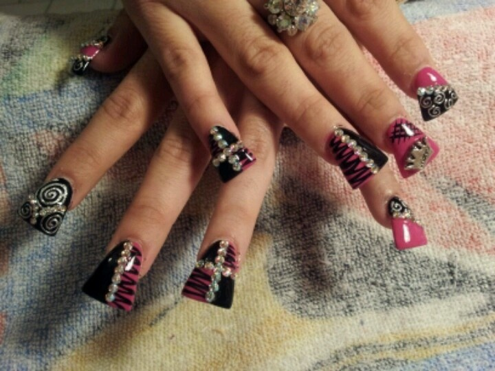 Duck tip nails <3