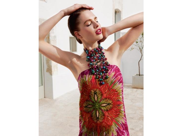 Die Beautylooks für Sommernächte: Make-ups und Trendfrisuren (Redaktion: Isolde Burtscher / Fotos: Leo Krumbacher)