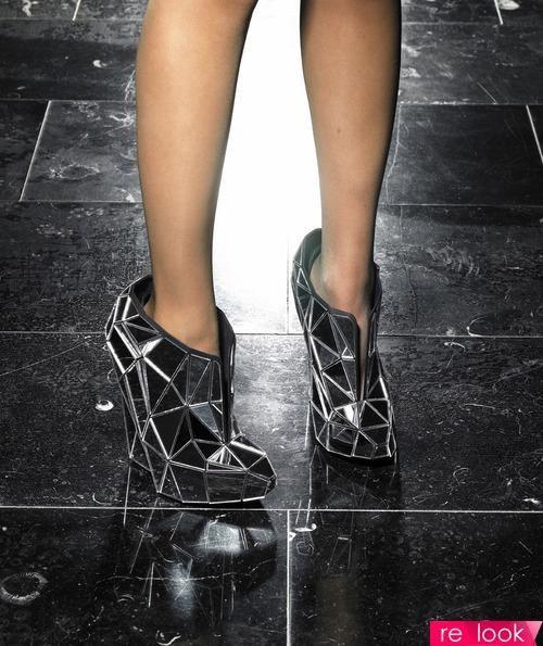 Авангардная обувь будущего в картинках