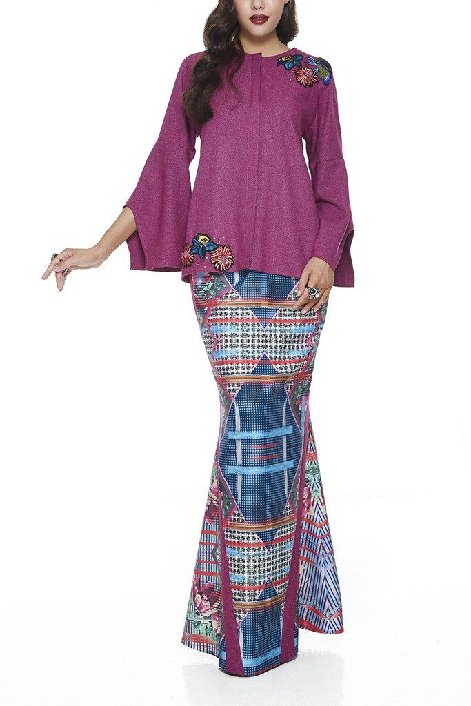 PURPLE SERAI - MODERN GLITTERY FABRIC BAJU KURUNG WITH COLOURFUL BUTTERFLY AND FLORAL PATCHES (PURPLE)