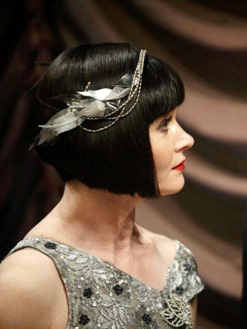 Essie Davis as Phryne Fisher in Miss Fisher's Murder Mysteries (TV Series, 2012).