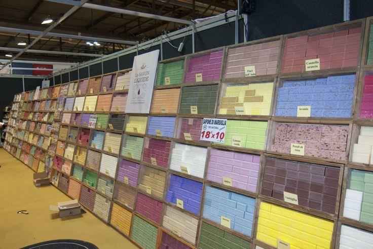 Un colorato muro di saponi!