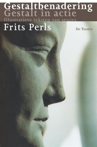 Gestaltbenadering Gestalt in actie  Description: Fritz Perls de belangrijkste 'hervinder' van de gestalttherapie maakte - na vele jaren ervaring en ontwikkeling - een bondig en begrijpelijk overzicht van de uitgangspunten en de toepassingen van zijn visie. Het boek bestaat uit twee delen: Gestaltbenadering en Gestalt in actie. Het is na Perls' dood verschenen en werd bezorgd door Robert S. Spitzer; het tweede deel werd geredigeerd door Richard Bandler.In Gestaltbenadering beschrijft Perls op…